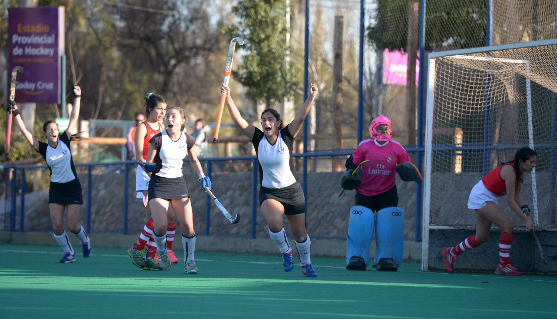 El hockey en fotos: Yerutí a la final - Mendoza Post