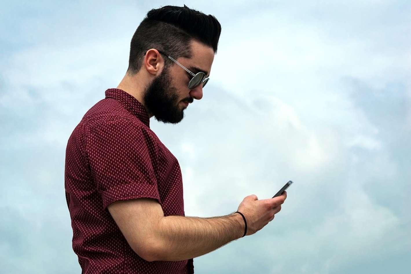 Amigos Porno Hombres por qué los hombres mandan más pornografía por whatsapp